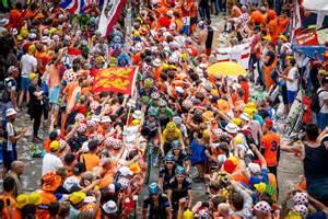 Crowds Alpe dHuez