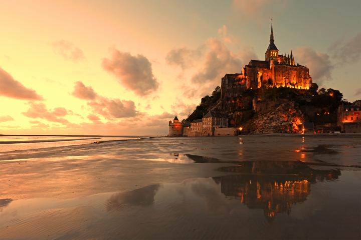 Mont Saint Michel istock
