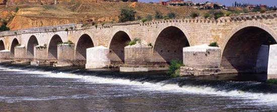 Roman Bridge Toro