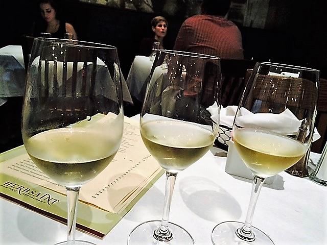 white-wine-flight-the-glasses