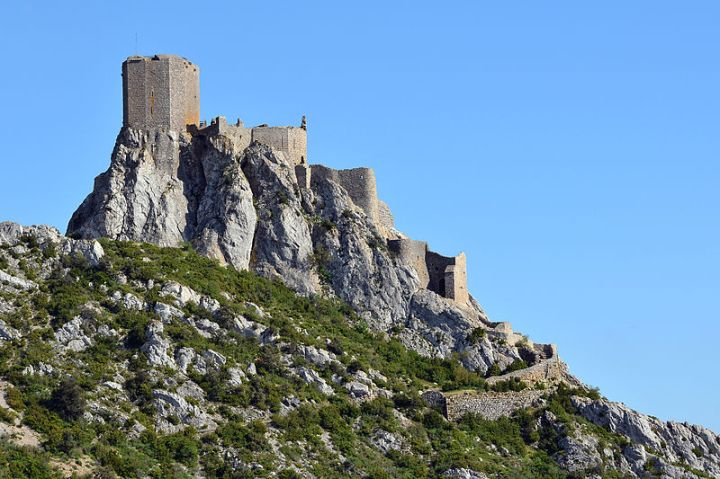 Cathar Castle at Queribus wikipedia commons