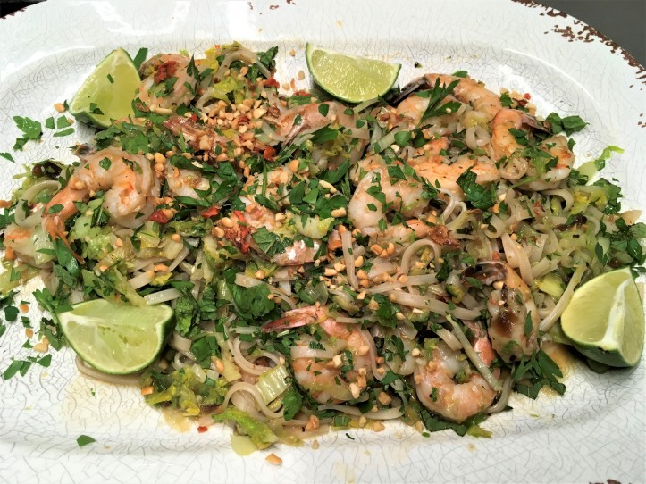 Platter of Shrimp Pad Thai